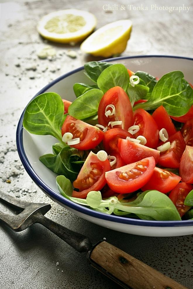 Sałatka z pomidorkami Chili & Tonka