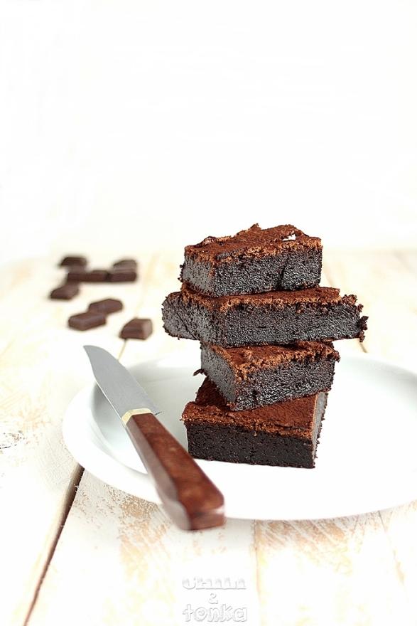 Ciasto czekoladowe 5 Chili & Tonka