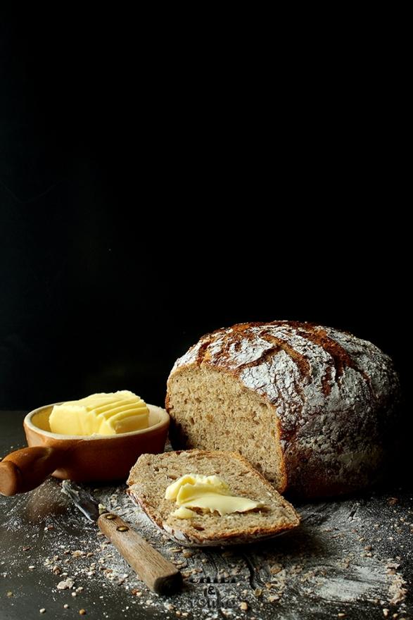 Jim Lahey's Whole Wheat 18 hour bread 4 Chili & Tonka