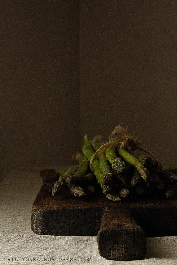 Szparagi 1 Chili & Tonka