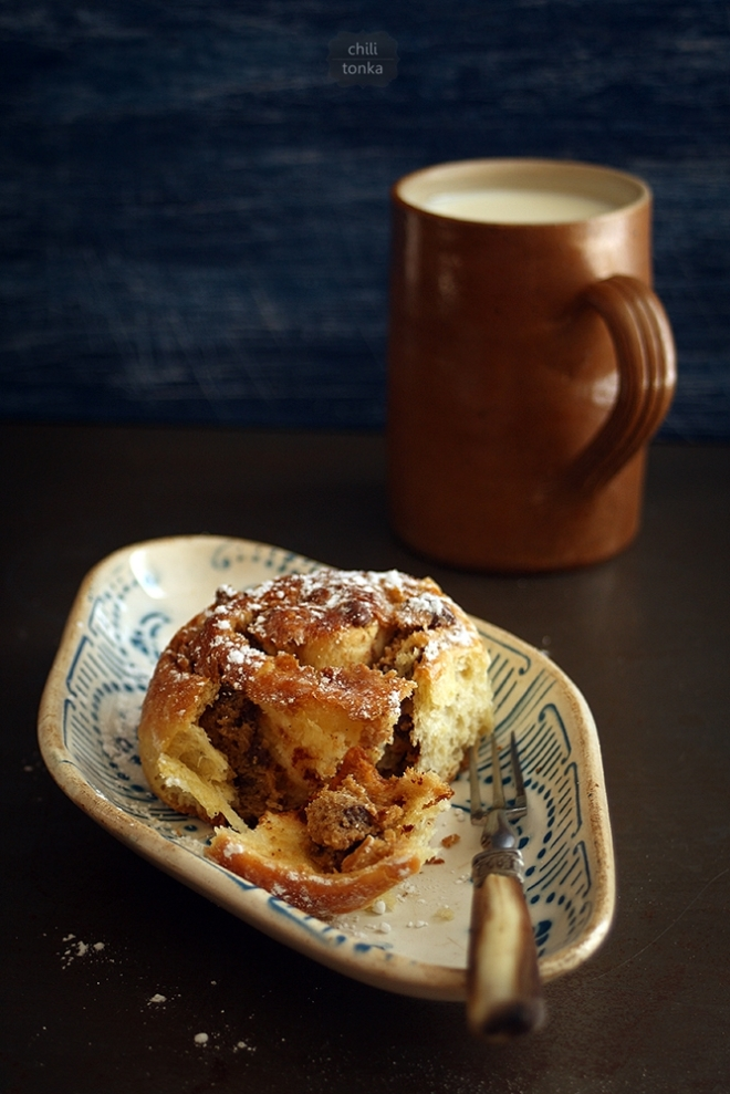 Chocolate & Tahini rolls
