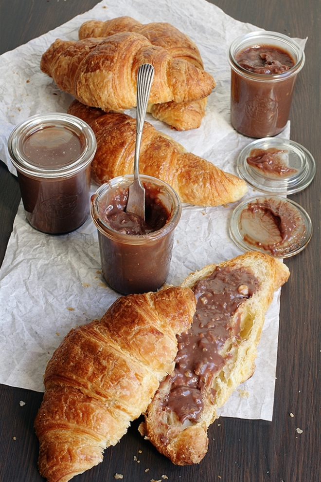 Homemade chocolate & hazelnut spread