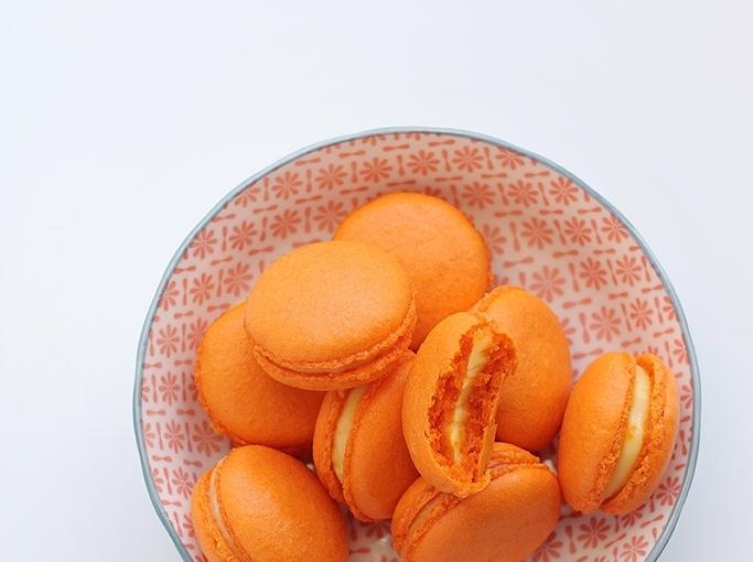 Makaroniki pomarańczowe / Orange curdmacarons