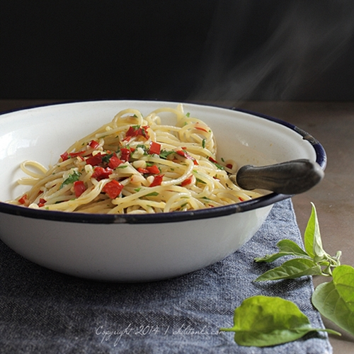 Spaghetti aglio, olio epeperoncino