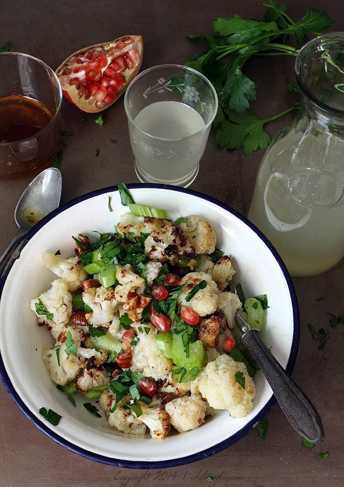 Sałatka z pieczonym kalafiorem | chilitonka