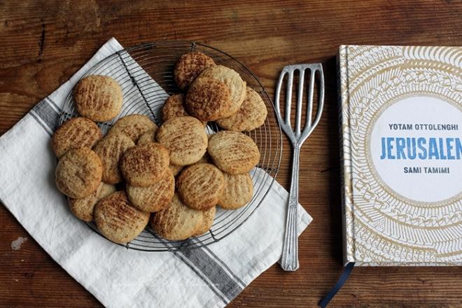 Tahini & cinnamon cookies | chilitonka