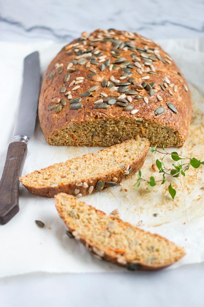 Chleb marchewkowy zziarnami