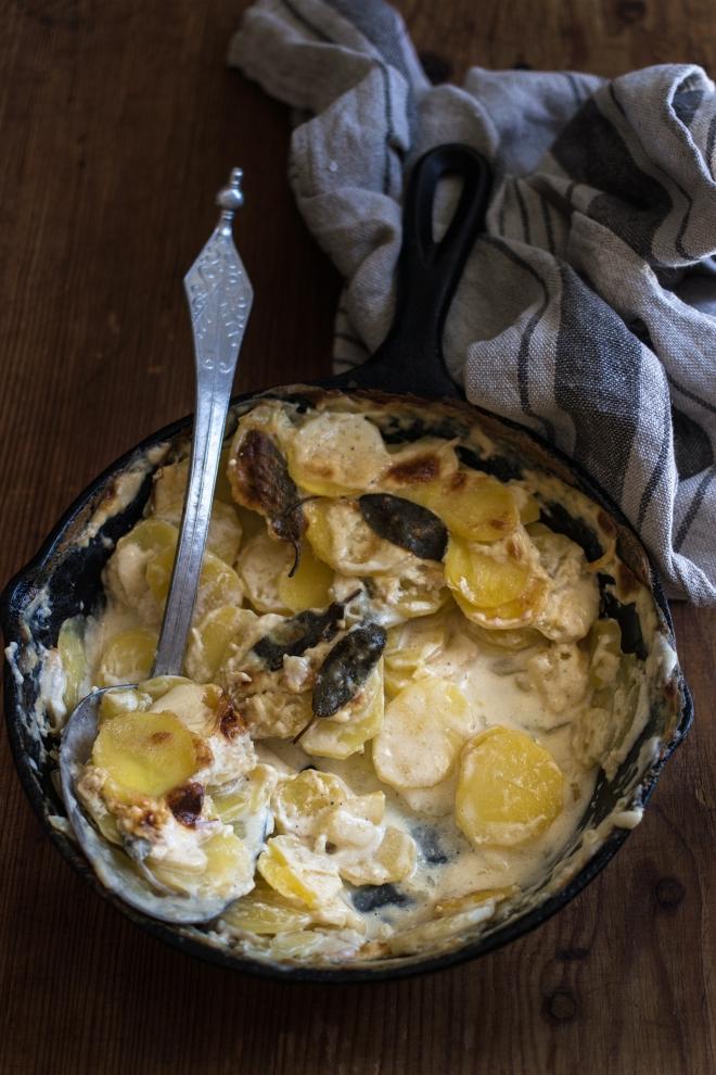 Pieczone ziemniaczki z szałwią | chilitonka